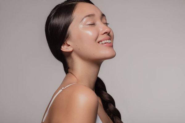 Làm sao cho da mặt đẹp? Đây là câu hỏi đã được rất nhiều các cô nàng Hàn Quốc trả lời, tạo nên một thánh địa làm đẹp của thế giới.