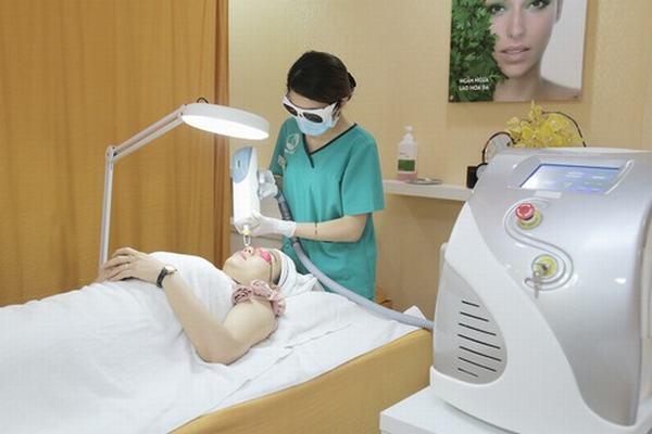 Chị em tự tin với làn da sạch nám sau điều trị bằng công nghệ cao