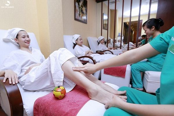 Các dịch vụ chăm sóc chân của Thu Cúc cũng được đẩy mạnh, nhằm chăm sóc toàn diện.