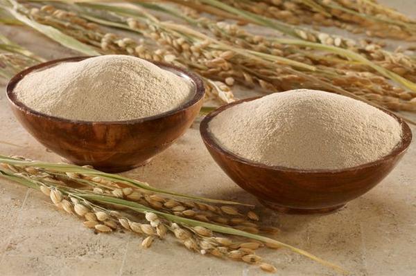 Cám gạo trở thành nguyên liệu tắm trắng quen thuộc dành cho chị em
