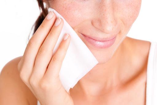 Rất nhiều người đã từ bỏ khăn rửa mặt vì nó không thuộc về cách dưỡng da tốt nhất mà các chuyên gia tin tưởng.